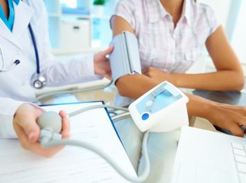 consultatii-medicina-interna-cardiologie-ecografie-abdominala-zenmed-iasi